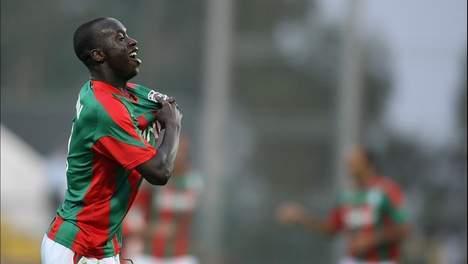 L'attaquant sénégalais Papa Babacar Diawara  a signé dimanche au FC Séville