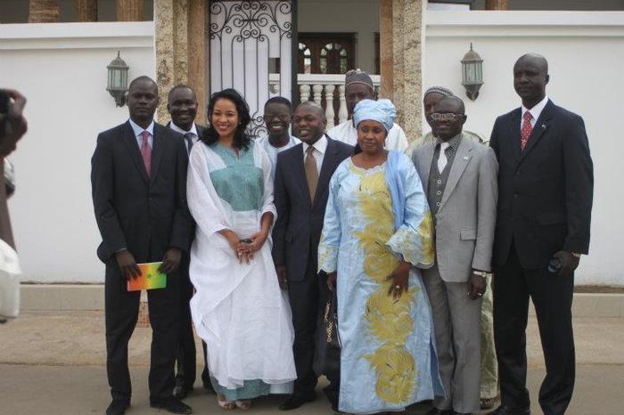 Les proches d'Idrissa Seck tirés à quatre épingles accompagnent leur leader au Conseil constitutionnel