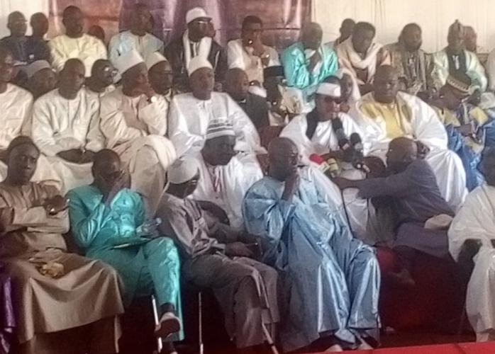 Magal des 2 Rakaa de Saint-Louis / Le ministre Oumar Guèye sollicite des prières auprès du marabout qui invite à cesser les polémiques et à s'atteler au travail