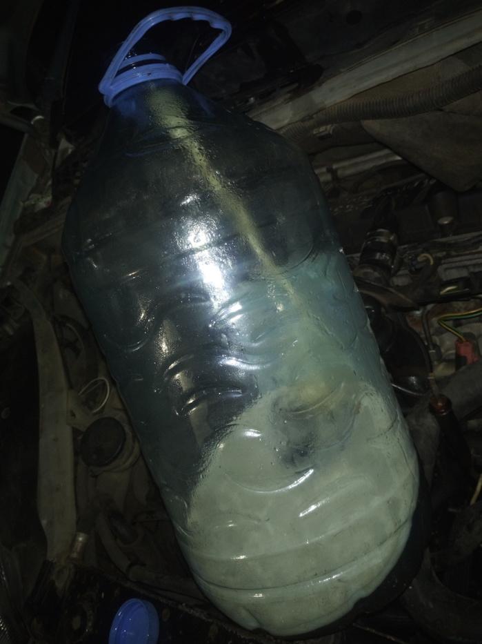 Rufisque/Alerte : La station Eydon sise à la sortie N° 9 de l'autoroute à péage vend de l'eau à la place de gasoil à des clients.