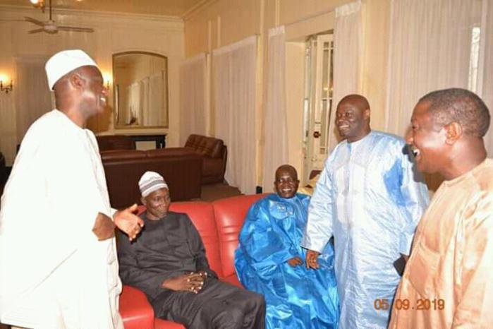 SAINT-LOUIS / Oumar Sarr, Me Amadou Sall et Ameth Fall Braya reçus à la gouvernance par Mansour Faye... Cette photo renferme-t-ele des secrets ?