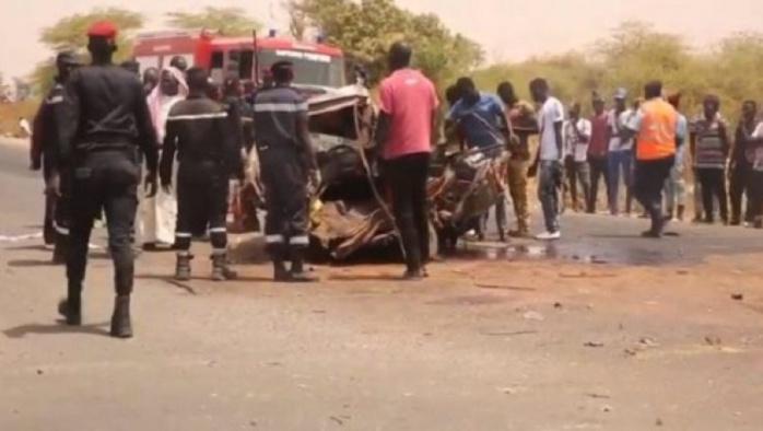 Accident grave à Guéoul (Louga) : Un camion heurte un bus qui prend feu et fait un mort et 20 blessés...