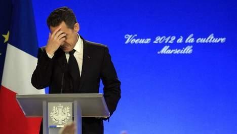 """Le """"coup de blues"""" de Sarkozy, une """"opération d'intox"""""""