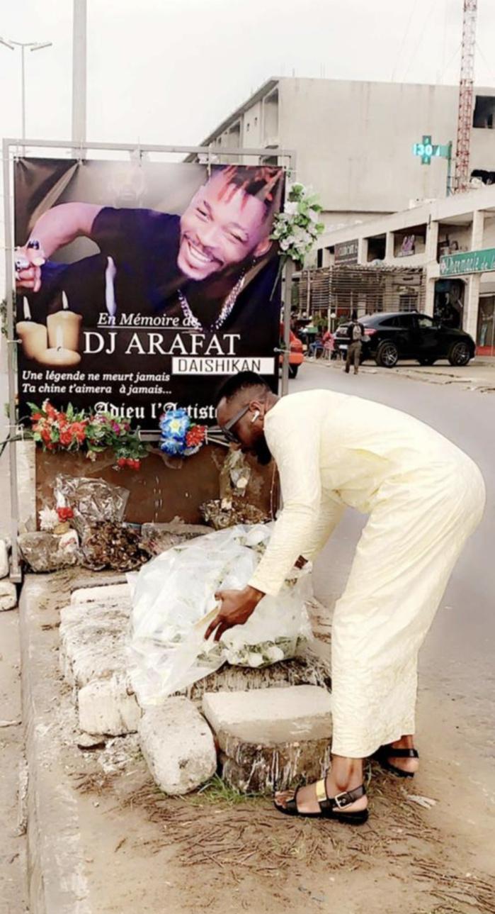 Dj Arafat : Le designer Mauritanien Aziz fashion rend hommage à l'artiste