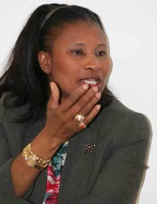 Candidature de Wade : l'opposition apportera ''une réponse juridique et politique'' ( Aïssata Tall Sall )