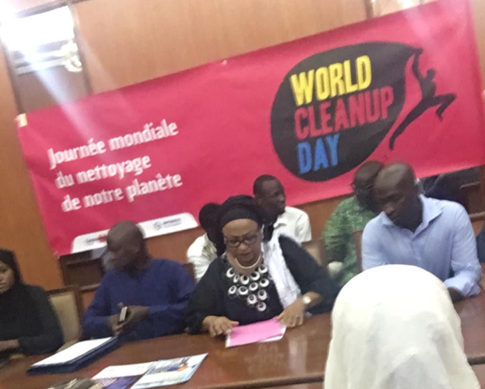 World clean up Day : La mairie de Dakar s'engage avec « Let's do it world » pour rendre Dakar propre