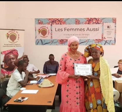Entrepreneuriat féminin : 46 entreprises, dont 19 de Thiès et Tivaouane, reçoivent leurs parchemins de fin de formation en agroalimentaire et des kits de bonnes pratiques d'hygiène