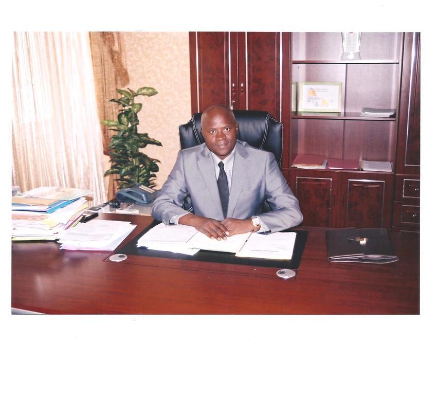 « Aucun leader lucide n'a intérêt à hériter d'un pays en lambeaux » ( BABACAR NDAW ,Ministre chargé des Eco-villages )