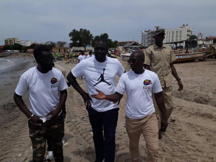 Journée mondiale du nettoiement (World Clean Up Day) : Les images du ministre Abdou Karim Fofana à Soumbedioune ce matin...