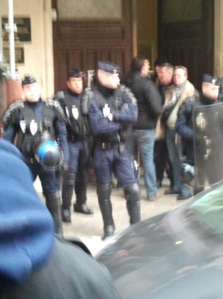 Dernière minute: Le consulat du Sénégal à Paris occupé par des manifestants