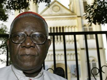 """Le cardinal Christian Tumi, archevêque émérite de Douala: """"Je ne suis pas d'accord avec ce que la France et l'ONU ont fait en Côte d'Ivoire"""""""