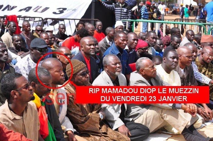 Les étudiants se sont fait rabrouer par les adultes du M23 aux obsèques de Mamadou Diop.