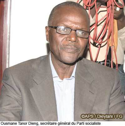 Tivaouane: Ousmane Tanor Dieng favorable au dialogue annoncé par le porte-parole du khalife