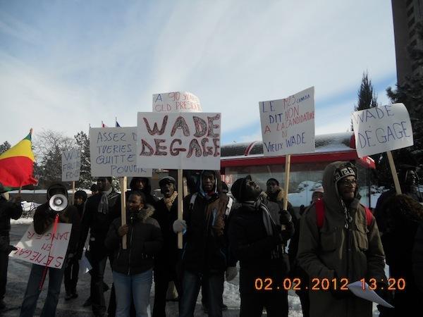 Rassemblement des Sénégalais de Montréal contre la candidature de Wade devant Radio Canada Internationale (TEXTE & PHOTOS)