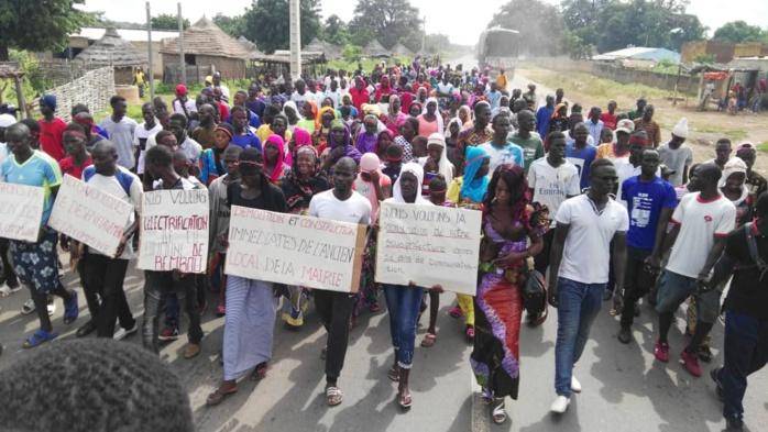 Kédougou / Commune de Bembou : Les populations déversent leur colère dans la rue.