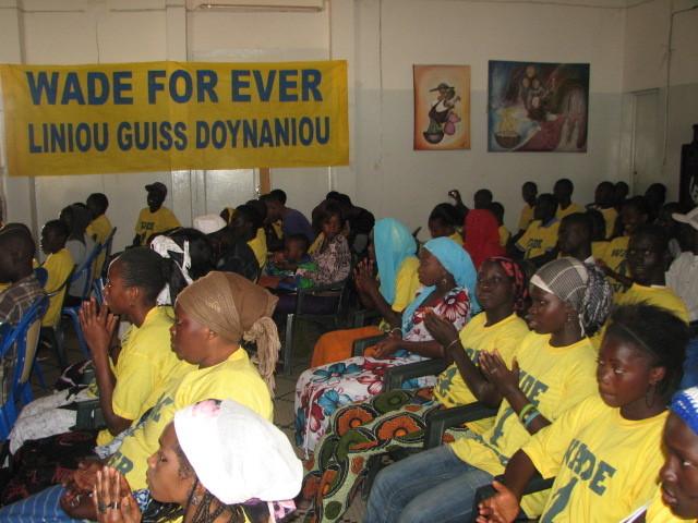 Le mouvement de soutien Wade For Ever prône l'idée d'une jeunesse sans violence