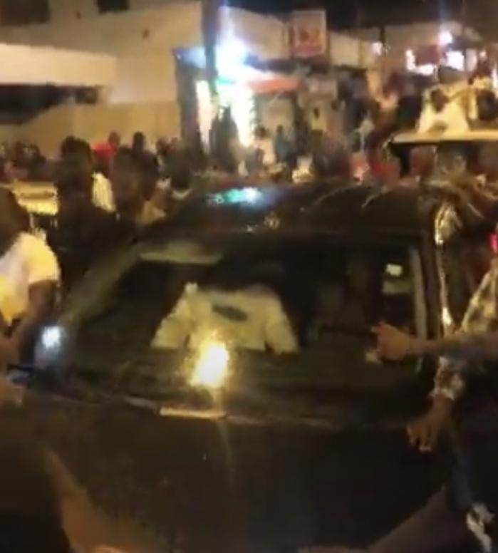Khalifa Sall fait un crochet à la mosquée Mazalikoul Djinane avant de continuer sa route.