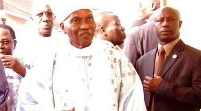 Pourquoi Abdoulaye Wade commence-t-il par Mbacké ?