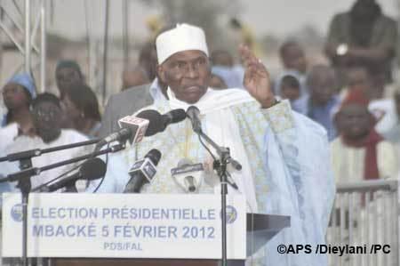 """Me Wade : ''Je ne cherche pas l'intérêt des toubabs (occidentaux), mais celui des Sénégalais. Les Américains et les Français ne sont pas les patrons des Sénégalais"""""""