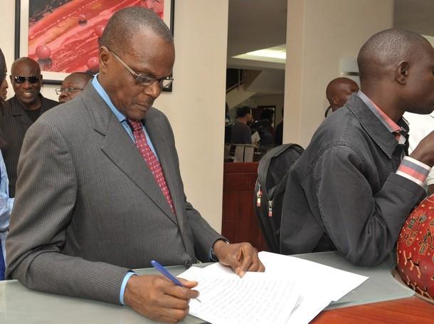 Ousmane Tanor Dieng ne se lasse pas de dire que Wade ne doit pas participer à la présidentielle