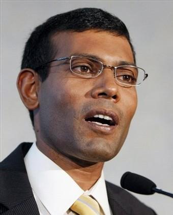 Le président de la République des Maldives démissionne.