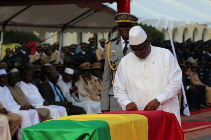 Décès de soldats en RCA : Le président Macky Sall élève les défunts au rang de Chevalier de l'ordre national du Lion.