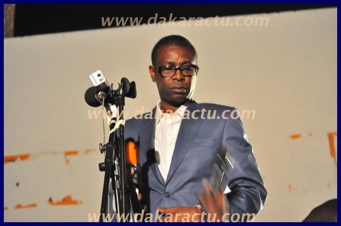 Dernière minute: Prenant la parole à Thiès, Youssou Ndour repousse le micro de la RTS qui lui est tendu
