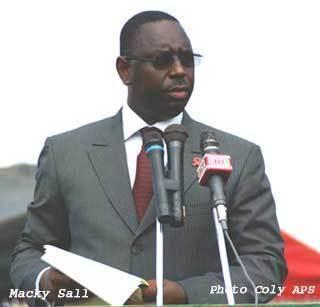 Macky Sall soumet son programme au khalife des mourides