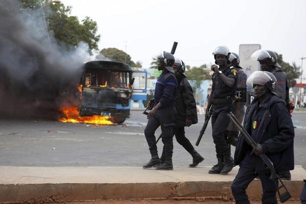 Sénégal: Qui va arrêter les forces de l'ordre