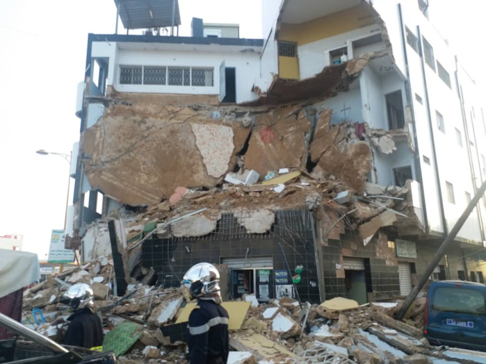TOUBA / La façade d'un immeuble s'écroule à 28 ... Des blessés.