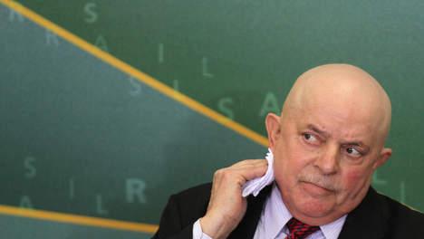 """L'ex-président Lula hospitalisé après un """"coup de fatigue"""""""