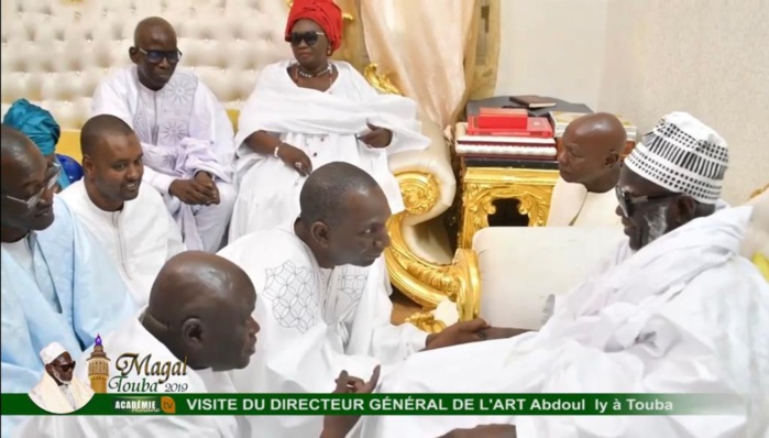 TOUBA / Le DG de l'ARTP Abdoul Ly reçu par le Khalife général des Mourides.