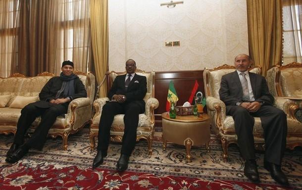 Karim Wade et Madické Niang reçus hier au siège du Conseil national de transition (CNT), à Tripoli