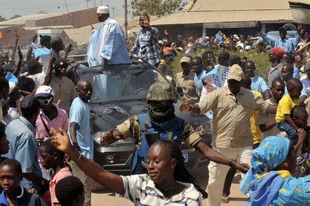 Souleymane Ndéné Ndiaye se justifie sur les moyens de l'armée nationale qu'utilise Wade pour battre campagne.