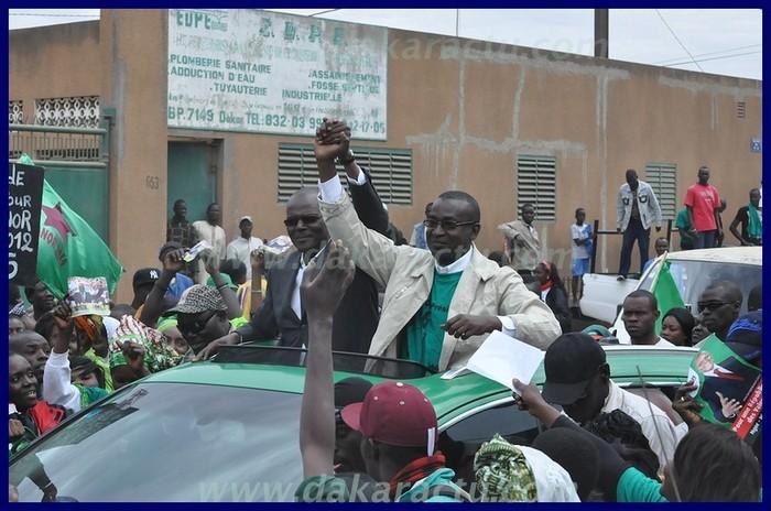 Vivez en images l'attaque contre le convoi d'Ousmane Tanor Dieng