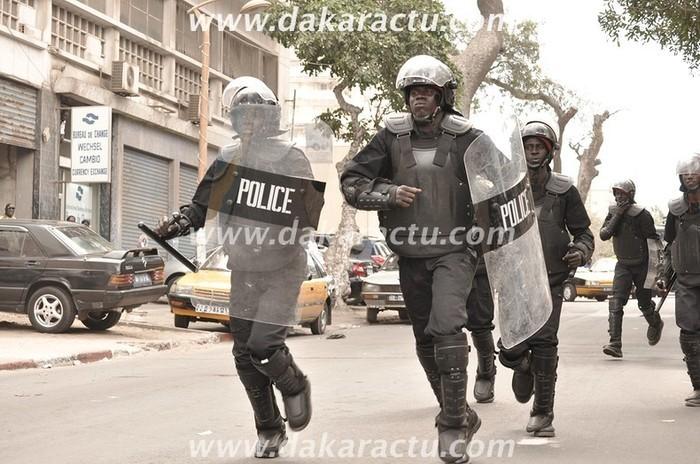 Violentes échauffourées entre forces de l'ordre et jeunes aux couleurs de Niasse et d'Idy