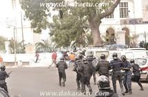 Dernière minute: Nouveaux affrontements à côté de la mairie de Dakar