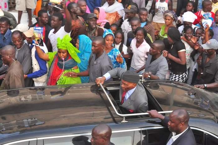 Le cortège d'Abdoulaye Wade violemment attaqué à Nguéniène