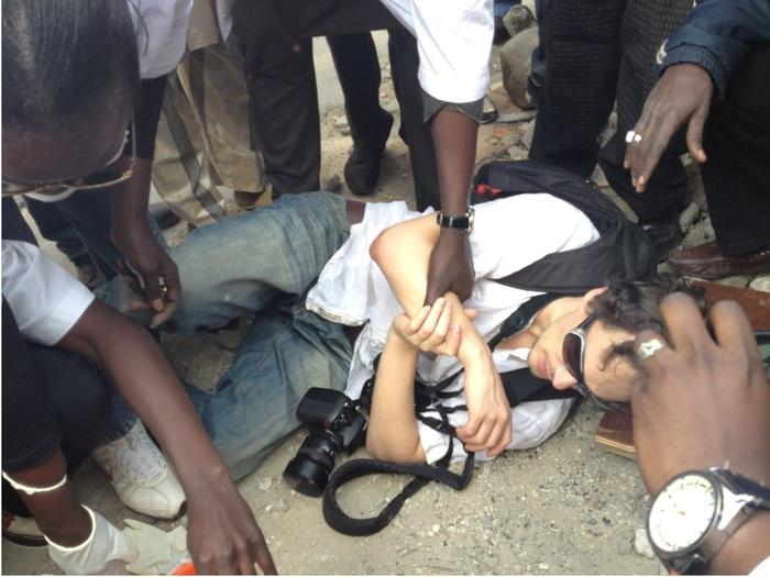 Dernière minute: Voici le photographe français blessé