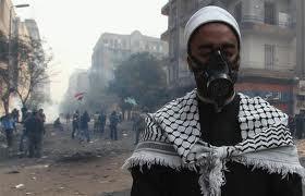Comment se protéger au mieux des gaz lacrymogènes dans les manifestations?