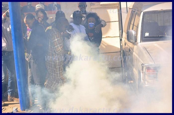 Dernière minute: Ibrahima Fall et les yenamarristes à la Place de l'Indépendance. Idrissa Seck gazé après être passé devant le palais