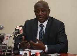 Serigne Mbacké Ndiaye,  porte-parole de la présidence de la République, annonce des sanctions
