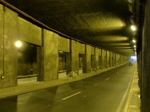Dernière minute: La Corniche et le tunnel brûlés et bouchés par des manifestants