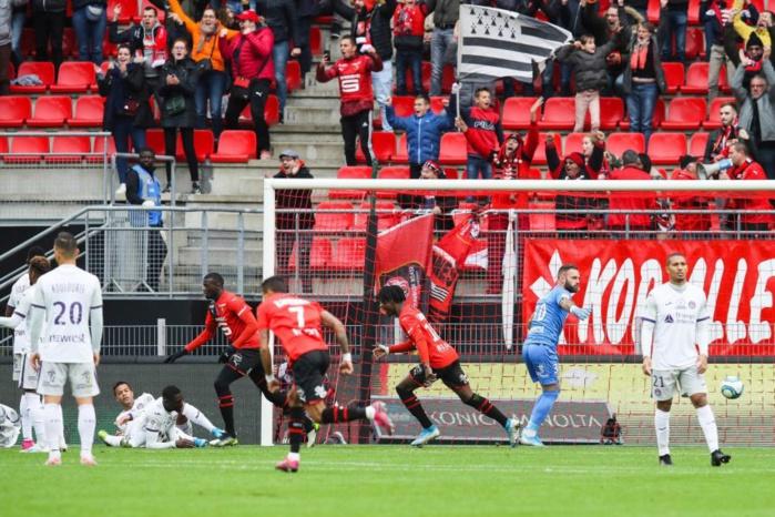 Ligue 1 : Rennes bat Toulouse sur le fil (3-2), Mbaye Niang buteur.