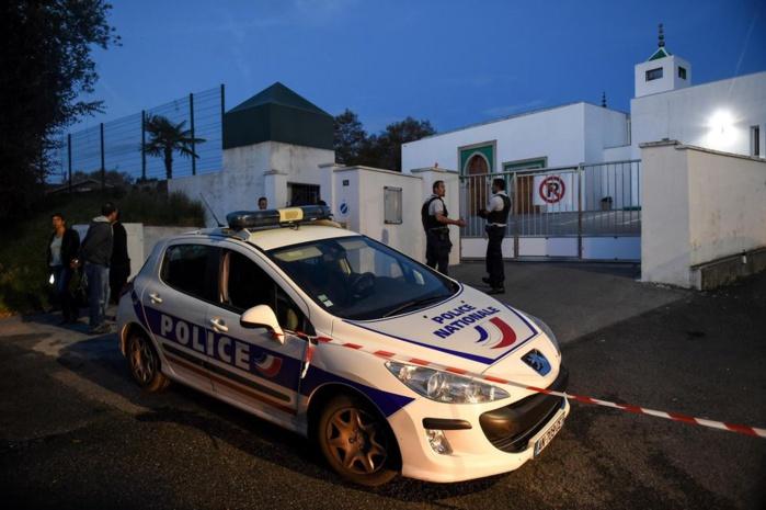 France : Une mosquée attaquée, deux hommes grièvement blessés.