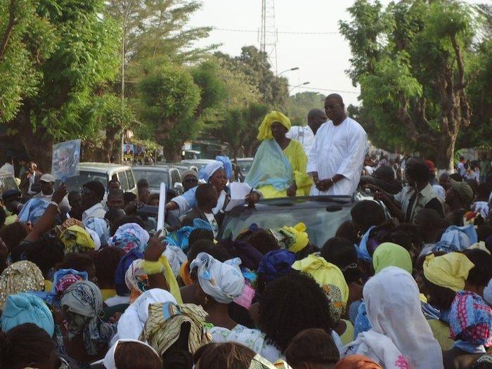 Ziguinchor / Présidentielle 2012: Des centaines de femmes dans la rue «pour la réélection d'Abdoulaye Wade»