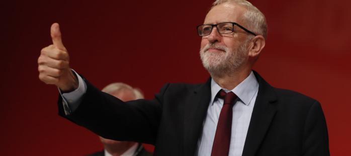 Royaume-Uni : Le chef de l'opposition accepte la tenue d'élections anticipées.
