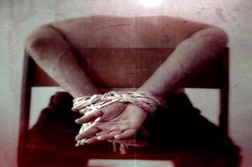 Dernière minute: Un jeune homme torturé à mort par la police.