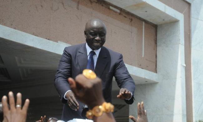 Face à face lourd de danger entre forces de l'ordre et la garde rapprochée d'Idrissa Seck