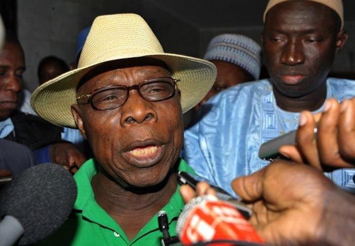 Les tractations entre Obasanjo, Wade et les autres.